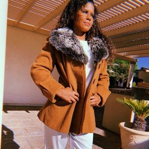 VTG Camel Fur Collar Pea Coat